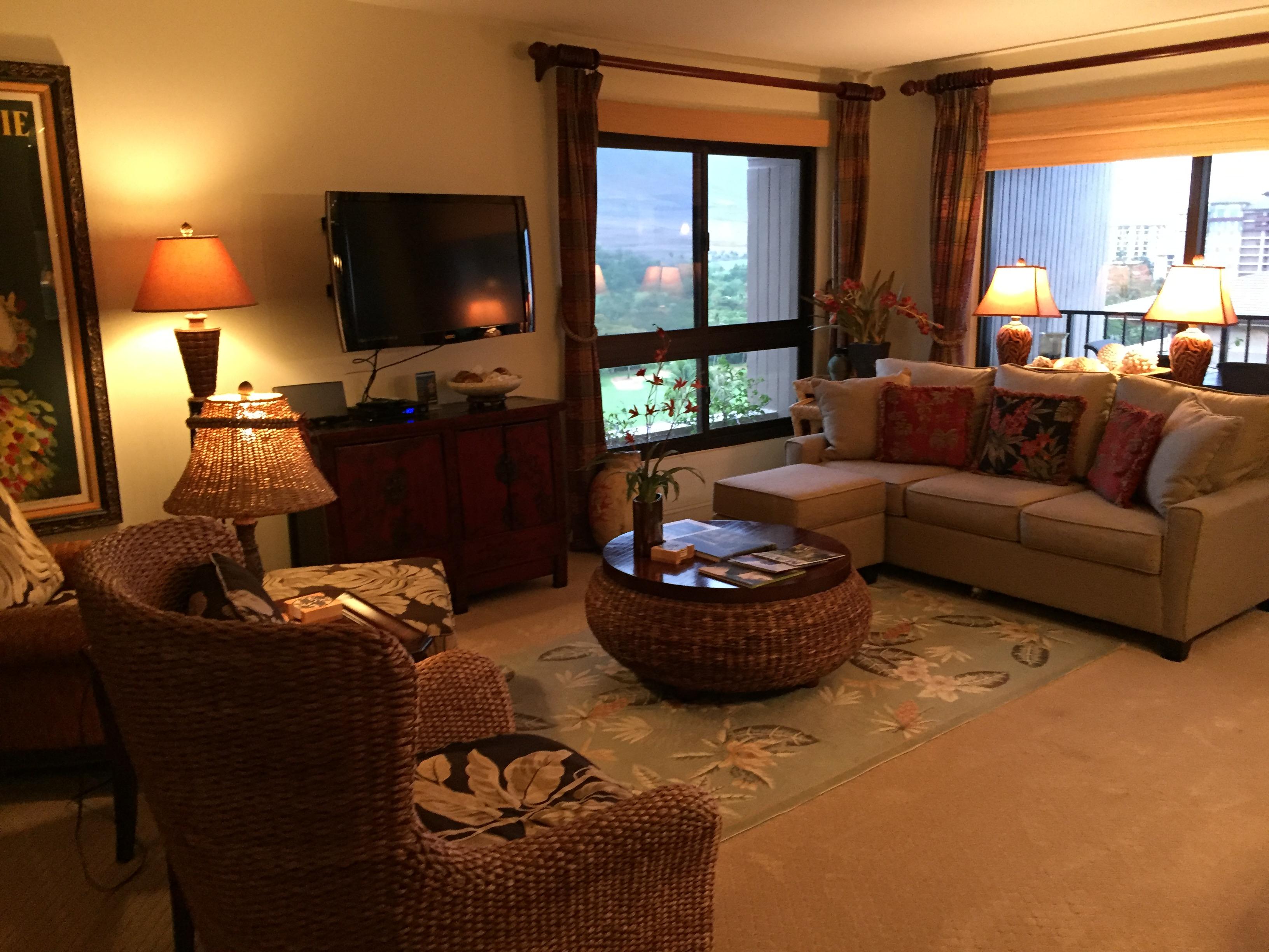 alli-living-room