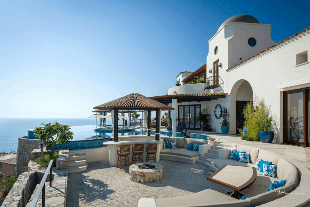 Villa in Mexico facing the ocean